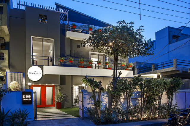 oyo rooms for couples in noida